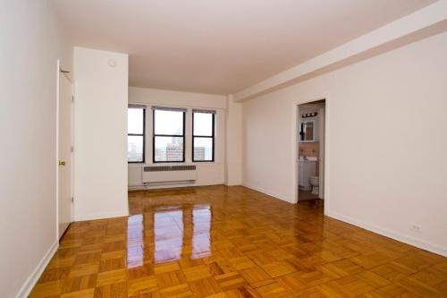 Granville Apartments Photo 1