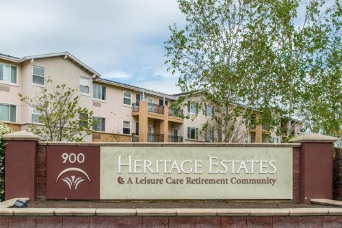 60+ Retirement Community: Heritage Estates Photo 1