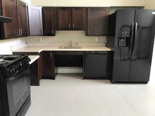 Lindsay Hill Senior Apartments Photo 1