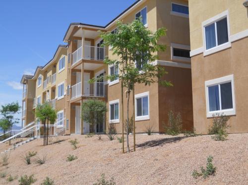 Vista Creek Apartments Photo 1