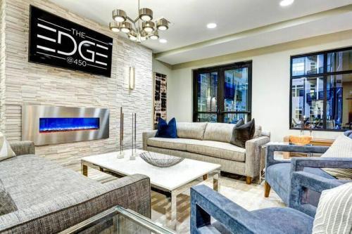 The Edge @ 450 Photo 1