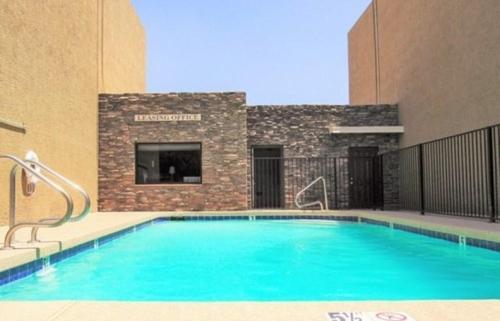 S & T Apartments Photo 1