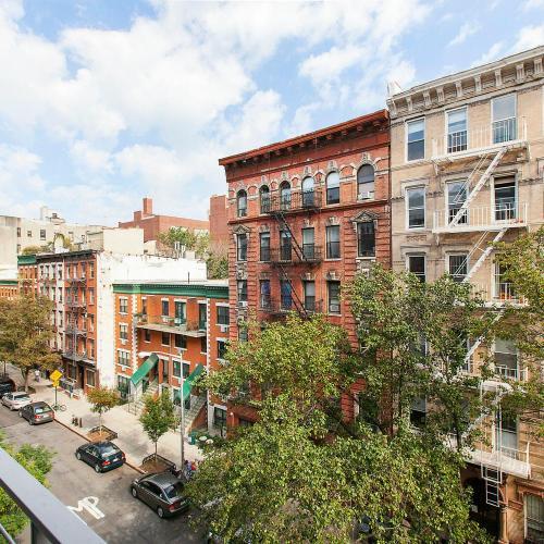 636 East 11th Street Photo 1