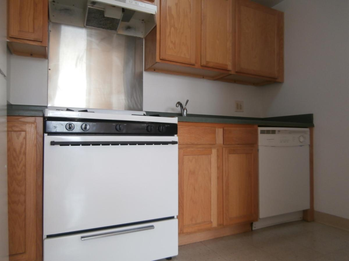 Best Deal On Kitchen Cabinets Kitchen Cabinets Bronx Ny Monsterlune