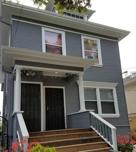 Irving Avenue Photo 1