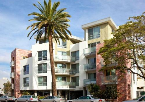 Living at Santa Monica - Biella Photo 1