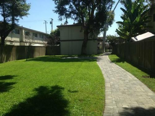 Courtyard Townhome Apartments Photo 1