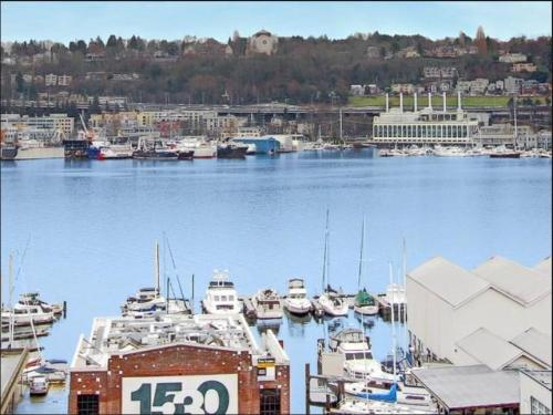 1611 on Lake Union Photo 1