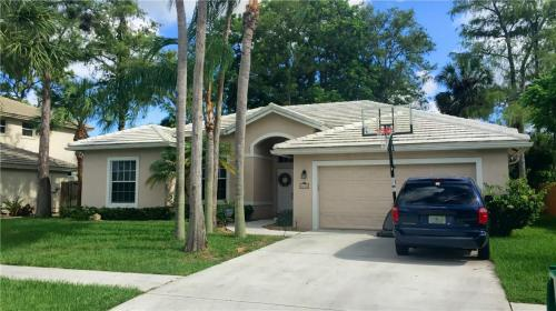 6425 NW 51st Court Photo 1