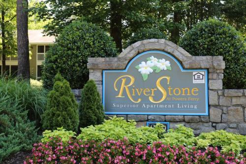 Riverstone at Powers Ferry Photo 1