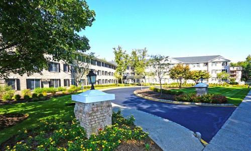 Stanford Court Photo 1