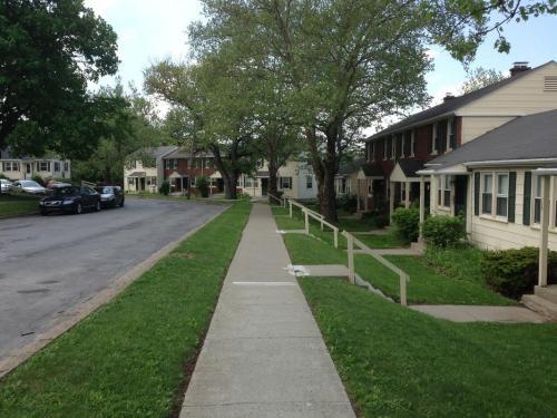 Lakeside Vista Student Housing Photo 1