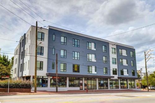 2811 Hillsborough Student Housing Photo 1