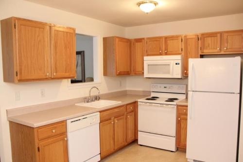 Hiland Springs Townhomes Photo 1