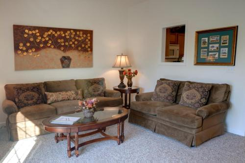 Bluebird Village Apartments and Townhomes Photo 1