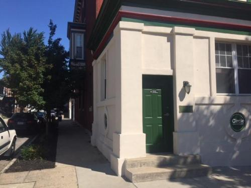 4617 Woodland Avenue Photo 1