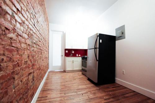 1331 Hancock St #3E Photo 1