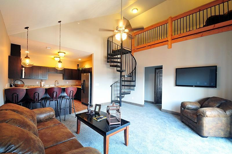 The Lodge Student Housing at 214 W Willow Street  Normal  IL 61761   HotPadsThe Lodge Student Housing at 214 W Willow Street  Normal  IL 61761  . 3 Bedroom House For Rent Normal Il. Home Design Ideas