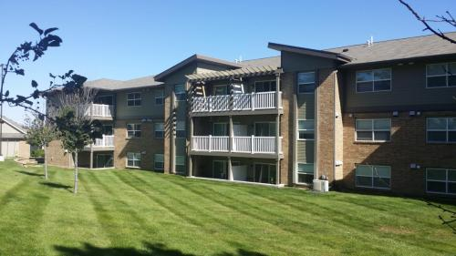 Woodland West Condos & Rentals Photo 1