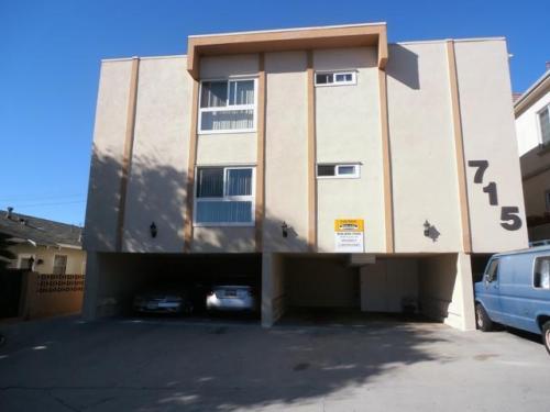 715 E Providencia Ave Photo 1