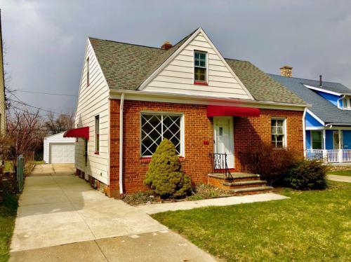 14813 Reddington Avenue Photo 1