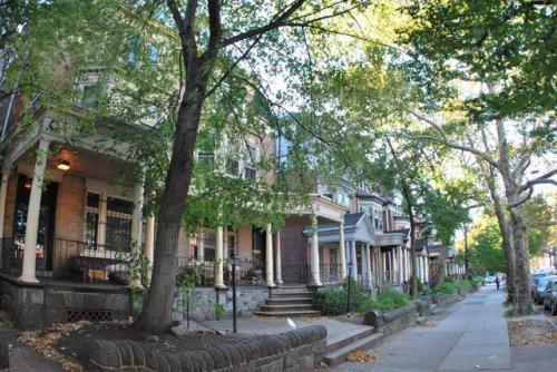 4016 Spruce Street #1R Photo 1