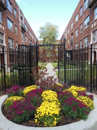 1548 W. Juneway Terrace Photo 1