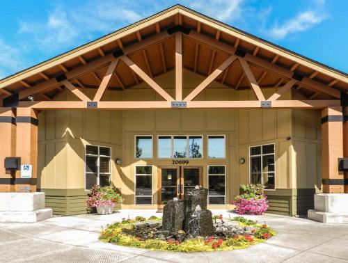 The Lodges at Lake Salish Photo 1
