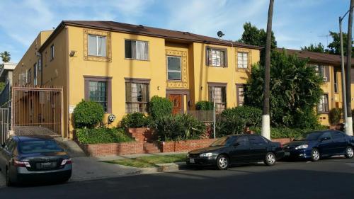 340 S Mariposa Avenue #6 Photo 1