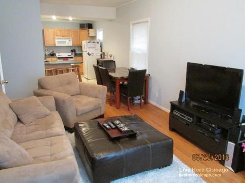 3729 N Clifton Avenue Photo 1