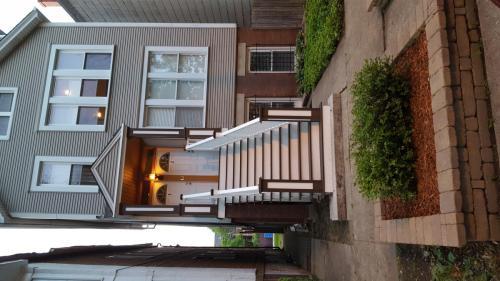 1452 W George Street #1  GARDEN Photo 1