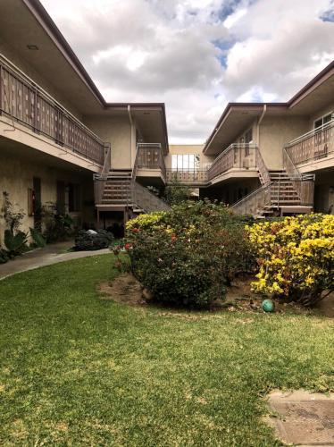 816 S Marguerita Avenue #6 Photo 1