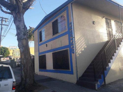 2826 E Cesar Chavez Avenue Photo 1