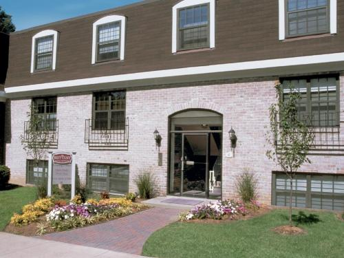 The Brittany Apartments Photo 1