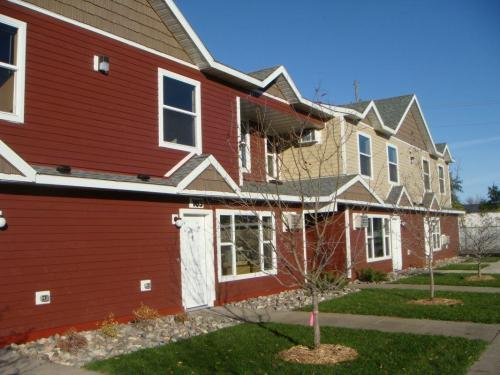 Granite City Townhomes Photo 1