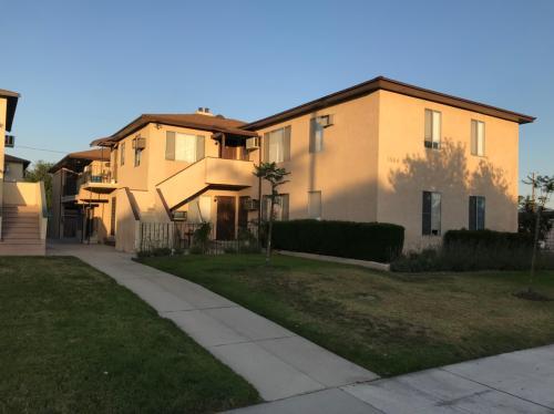 1500 N Buena Vista Street #D Photo 1