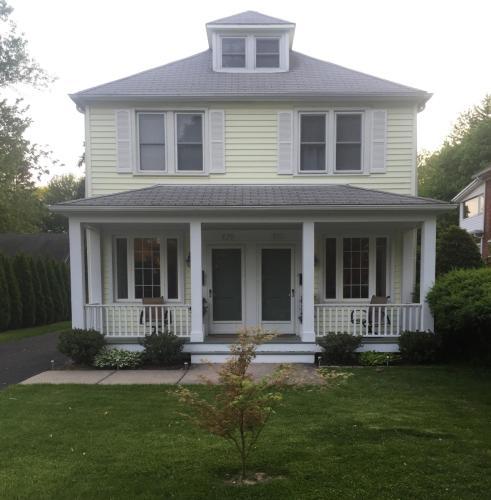 831 Saint Clair Street Photo 1