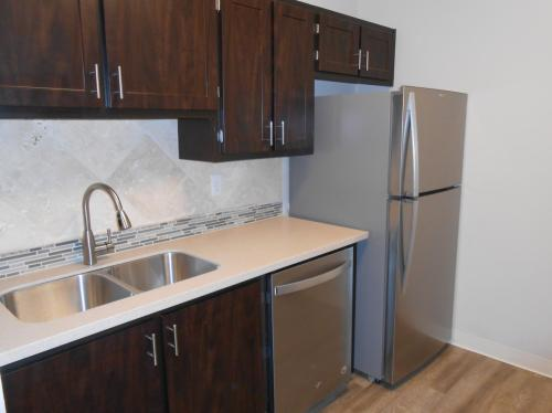 Oswego Cove Apartments Photo 1