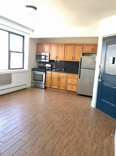 1223 Broadway #ROOM FOR RENT Photo 1