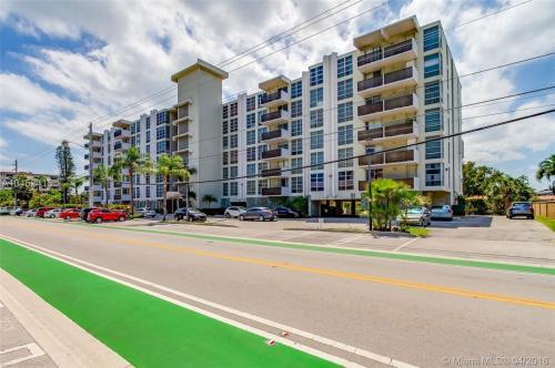 9800 W Bay Harbor Drive Photo 1