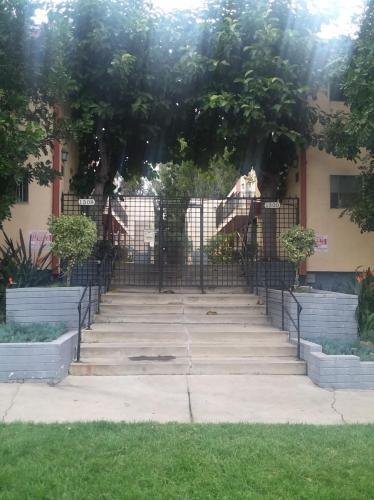 1300 N Curson Avenue #8 Photo 1