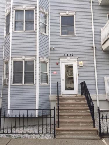 4307 Smith Avenue #LOWER Photo 1