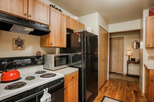 Steepleview Apartments Photo 1