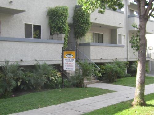 280 W Tujunga Ave Photo 1
