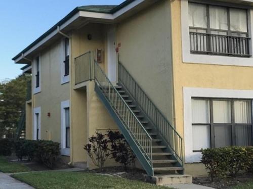 4086 N Pine Island Road #513 Photo 1