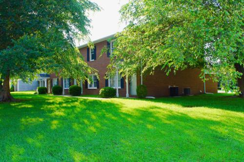 3201 Crestwood Drive Photo 1