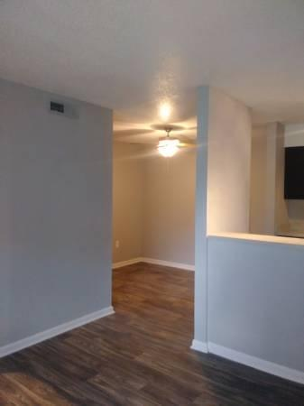 Lions Gate Apartments Photo 1