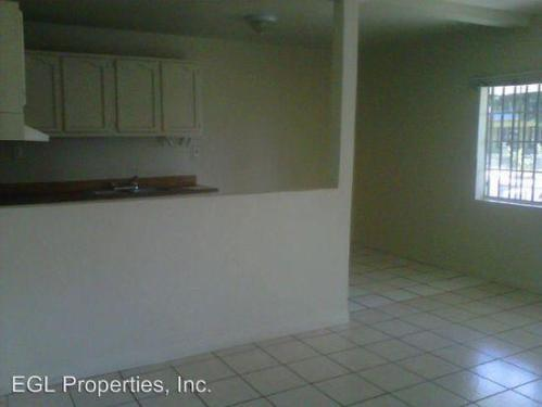 865w 43rd Place Photo 1
