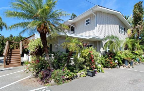 1638 Redwood Street Photo 1