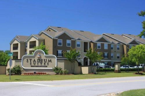 Stadium Suites Photo 1